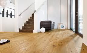 Schlafzimmer Holzboden Funvit Com Sofa Möbel Martin