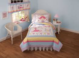 princess castle bedding quilt in twin and full queen sizes