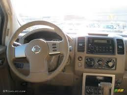 nissan pathfinder xe 1995 2005 nissan pathfinder xe 4x4 desert dashboard photo 38394044