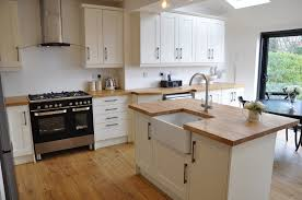 bella shaker alabaster kitchen with solid oak worktops schofield bella shaker alabaster kitchen with solid oak worktops