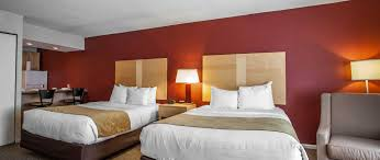 Two Bedroom Hotel Suites In Chicago Downtown Chicago Hotel Michigan Avenue Hotel Comfort Suites Chicago