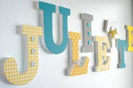 lettre chambre enfant decoration chambre bebe lettre en bois visuel 5