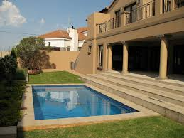Small Garden Pool Ideas Backyard Mediterannean House Design Small Backyard Swimming Pool