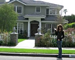 Modern Family House | we went to the actual houses seen on modern family check out the