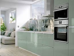 cuisine deco design cuisine verte 3 nuances de la plus à la plus sombre joli