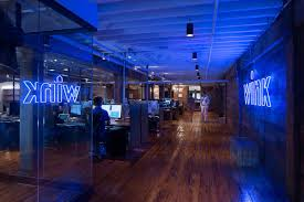 40 Incredible Lofts That Push Home Tech Company S Digs Fuse Nyc Loft Aesthetic With Silicon