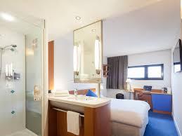 siege social et vacances hotel in evry académie accorhotels résidence cus