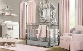 aménagement d une chambre bébé de princesse classe et