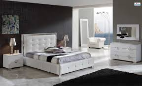 Black Lacquer Bedroom Furniture Bedroom With Black And White Furniture Izfurniture