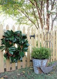Magnolia Leaf Wreath How To Make A Magnolia Wreath U2013 Festive Home Decorating Ideas