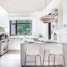 decorer cuisine toute blanche cuisine blanche tout en lumière cuisine avant après