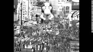 high wind threat didn t stop macy s thanksgiving parade balloons