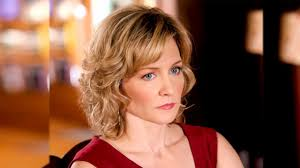 amy carlson hairstyles on blue bloods why amy carlson decided to leave blue bloods youtube