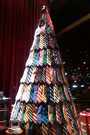 Christmas Tree Made Of Christmas Lights - 21 ideas for making alternative christmas trees to recycle clutter