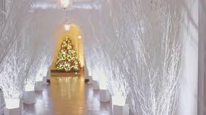 donald trump white house decor see how the trumps decorated for their first christmas in the