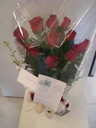 roses delivery montreal florist fleuriste montreal canada dozen roses