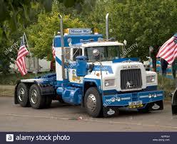 mack truck dealers mack truck stock photos u0026 mack truck stock images alamy