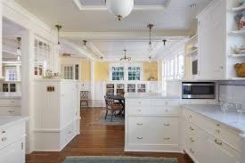 cuisine blanche plan de travail bois cuisine blanche et plan de travail bois cuisine blanche plan de