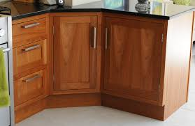 questions to ask when choosing kitchen cabinets carcases