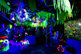 Black Lights In Bedroom Use A Black Light For A Glowing The Jungle Avatar