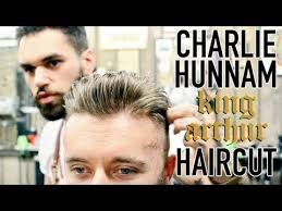 how to get thecharlie hunnam haircut charlie hunnam king arthur inspired haircut summer fade
