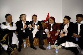 le Responsable de la révolution arabe  Images?q=tbn:ANd9GcRV6goBKh36Tl4WZnUyQ9L2q39GZ9YguZvEmik-8IgWTQqGpWc_CA