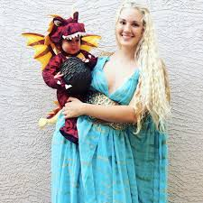 Game Thrones Halloween Costumes Daenerys Daenerys Dragons Halloween Costumes Families Popsugar Moms