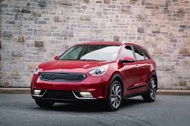 crossover cars 2017 2017 kia niro what u0027s a crossover supposed to be