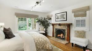 Alanis Morissette Havoc And Bright Lights Within Days Of Listing Alanis Morissette Has Offer In Hand For