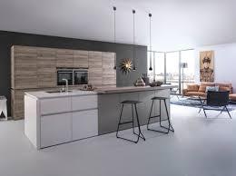 cuisine bois et gris cuisine design cuisine design sans poignées blanc bois et gris