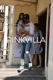 photos akshay kumar and twinkle khanna take aarav and nitara for
