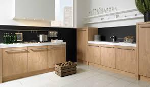 cuisine chene clair moderne idees de cuisine moderne en collection avec cuisine chene clair