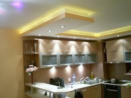 faux plafond design cuisine faux plafond moderne dans la chambre à coucher et le salon
