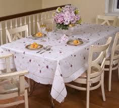 Casual Table Setting Dining Room Great Design Ideas Using White Valance And