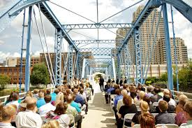 wedding venues grand rapids mi grand rapids wedding on blue bridge neriphoto