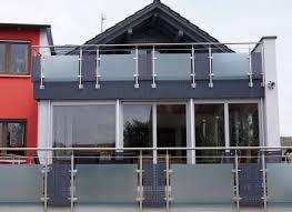 balkon metall ein balkon ganz aus glas und metall nicht nur arbeiten mit holz