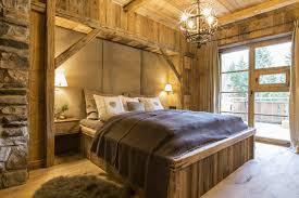 Schlafzimmer Im Chalet Stil Berghütte Design Holz Wand Kopfteil Leder Rustikaler Stil