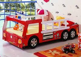 chambre enfant pompier la chambre du pompier deco chambre enfant voiture bahbe com
