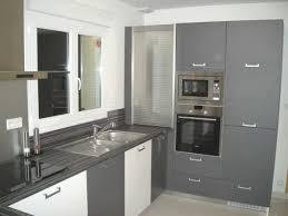 image de placard de cuisine cuisine avec placard avec impressionnant rideau placard cuisine