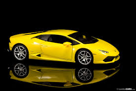 Lamborghini Huracan Models - the huracan diecast model bburago huracan 1 hr image at