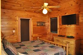 Log Cabin Bedroom Furniture by Elk Ridge Great Branson Cabins Great Branson Cabins