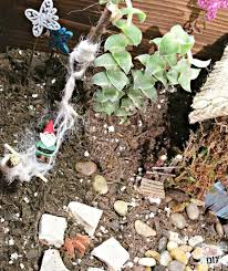 Fairy Garden Craft Ideas - how to make a fairy garden that is easy and inexpensive