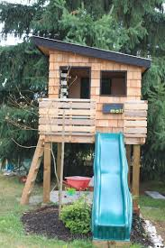 outside playhouse plans wood pallet playhouses for kids pallets playhouses and pallet