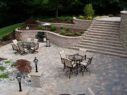 curved retaining walls in your landscape