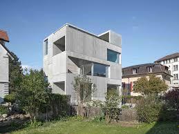 spagat zwischen beton und feiner spitze wohnhaus in uster