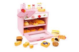 jouet en bois cuisine la cuisine en bois jouet peluches et jouets en bois