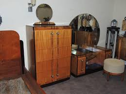 art deco bedroom suite circa 1930 for sale at 1stdibs art deco bedroom suite leo jiranek streamline design fit for a