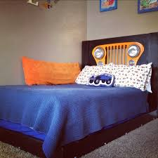 Jeep Bed Frame Sweet Jeep Grille In The Headboard Jeep Furniture Pinterest