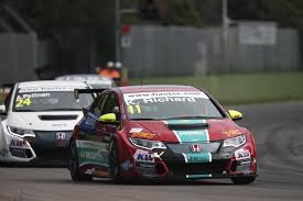 opel astra touring car honda civic type r wins at british touring car championship