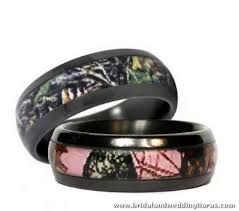 camo wedding band sets 9 best camo rings images on camo rings camo wedding